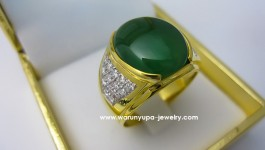 แหวนหยกพม่าเนื้อแก้ว Jade : หยกพม่าเนื้อแก้ว สีเขียวเข้ม เนื้อสะอาดใส *** มีใบรับประกันหยกแท้ด้วยคะ *** Diamond (เพชร) Clarity (ความสะอาด) : VVS Color (สีเพชร) : G Color (น้ำ 97) Cut Grade (เหลี่ยมเพชร) : เบลเยี่ยม (เหลี่ยมเกสร) Heart & […]