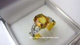 แหวนบุษราคัม Yellow sapphire: บุษราคัมบางกะจะ สีเหลืองทอง เนื้อสะอาด น้ำหนัก 1.43 ct Diamond (เพชร) Clarity (ความสะอาด) : VVS Color (สีเพชร) : G Color (น้ำ 97) Cut Grade (เหลี่ยมเพชร) : เบลเยี่ยม (เหลี่ยมเกสร) Heart & […]