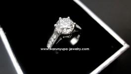 Diamond Ring (แหวนเพชรแต่งงาน) เรียบง่าย ดูดี ใส่ได้หลายงาน งานขึ้นมือคะ ตัวเรือนแน่นหนาแข็งแรง เพชรวิ้งได้ใจ สินค้าจำหน่ายแล้วคะ จบที่ราคา 249,000 บาท คะ Diamond (เพชร) Clarity (ความสะอาด) : VVS1 – VVS2 Color (สีเพชร) : H-I Color (น้ำ 95-96) Cut […]