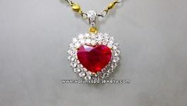 จี้ทับทิมรูปหัวใจประดับเพชรทรง Supreme Heart ทับทิมสีแดงอมชมพู ล้อมเพชรขาววิ้งๆ สองชั้นเล่นระดับค่ะ
