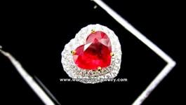 แหวนทับทิมหัวใจประดับเพชรทรง Supreme Heart ทับทิมสีแดงอมชมพู ล้อมเพชรขาววิ้งๆ สองชั้นเล่นระดับค่ะ
