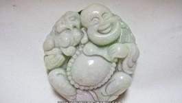 หยกแกะเป็นรูปพระสังกัจจายน์อุ้มสิงห์ (Natural Jadeite) 288 กะรัต งานเนี้ยบ ฝีมือปราณีต ราคา 8,888 บาท พร้อมใบเซอร์จากนักอัญมณี