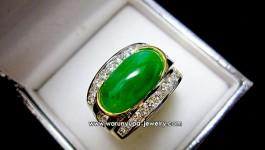 แหวนหยกทรง Cool Elite 2 ดีไซน์เฉพาะของ Warunyupa Jewelry ค่ะ หยกสวยๆกับตัวเรือนคูลๆ เข้ากันปังๆค่ะ ✨ รายละเอียด ✨ เพชร 20 เม็ด = 0.48 กะรัต น้ำ 98 เพชร 4 เม็ด = 0.38 กะรัต น้ำ 98 หยกพม่า […]