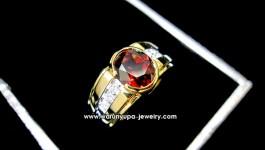 แหวนโกเมน (Garnet) ประดับเพชรทรง The Scalazor โกเมน สีแดง ไฟดี สีสวย กับตัวเรือนเท่ๆ ใส่ติดนิ้วได้ทุกโอกาสค่ะ